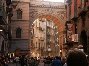 rue-naples1